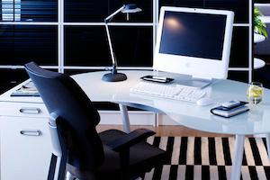 Trabalhar em casa versus montar um escritório